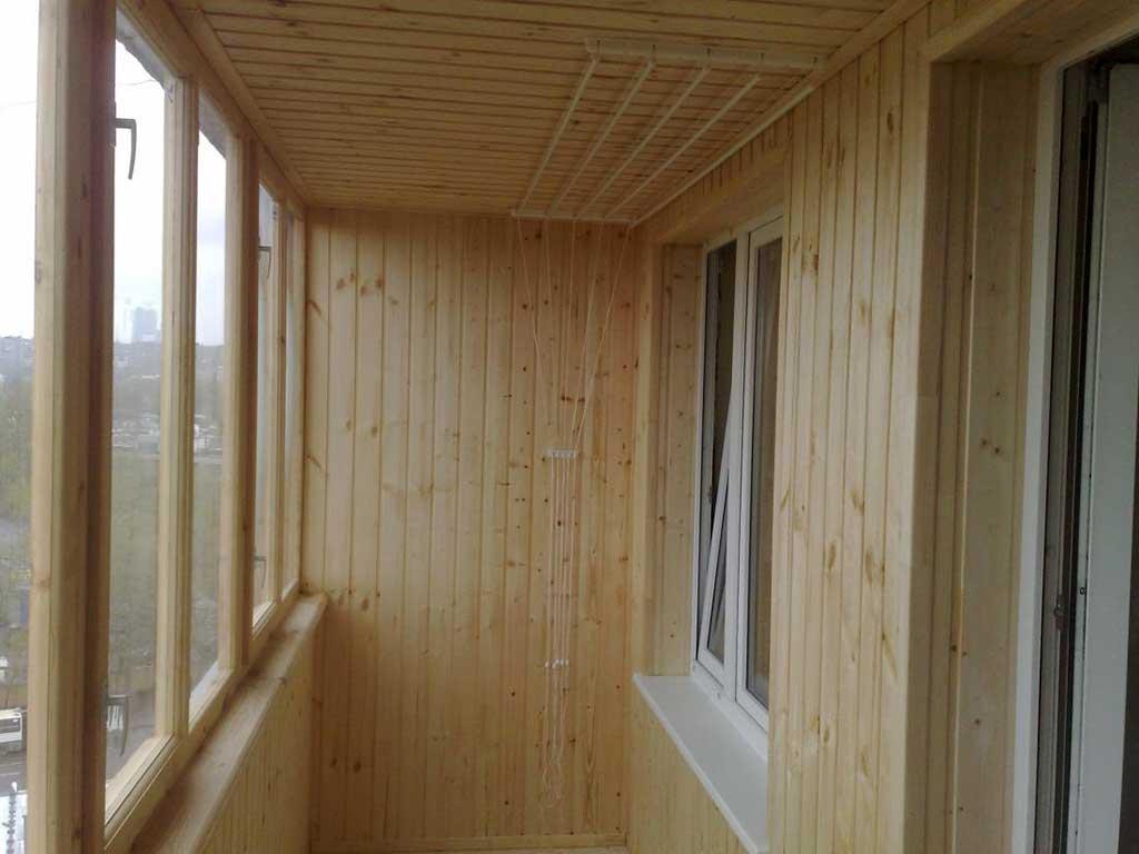 Внутренняя обшивка балконов из дерева статья.